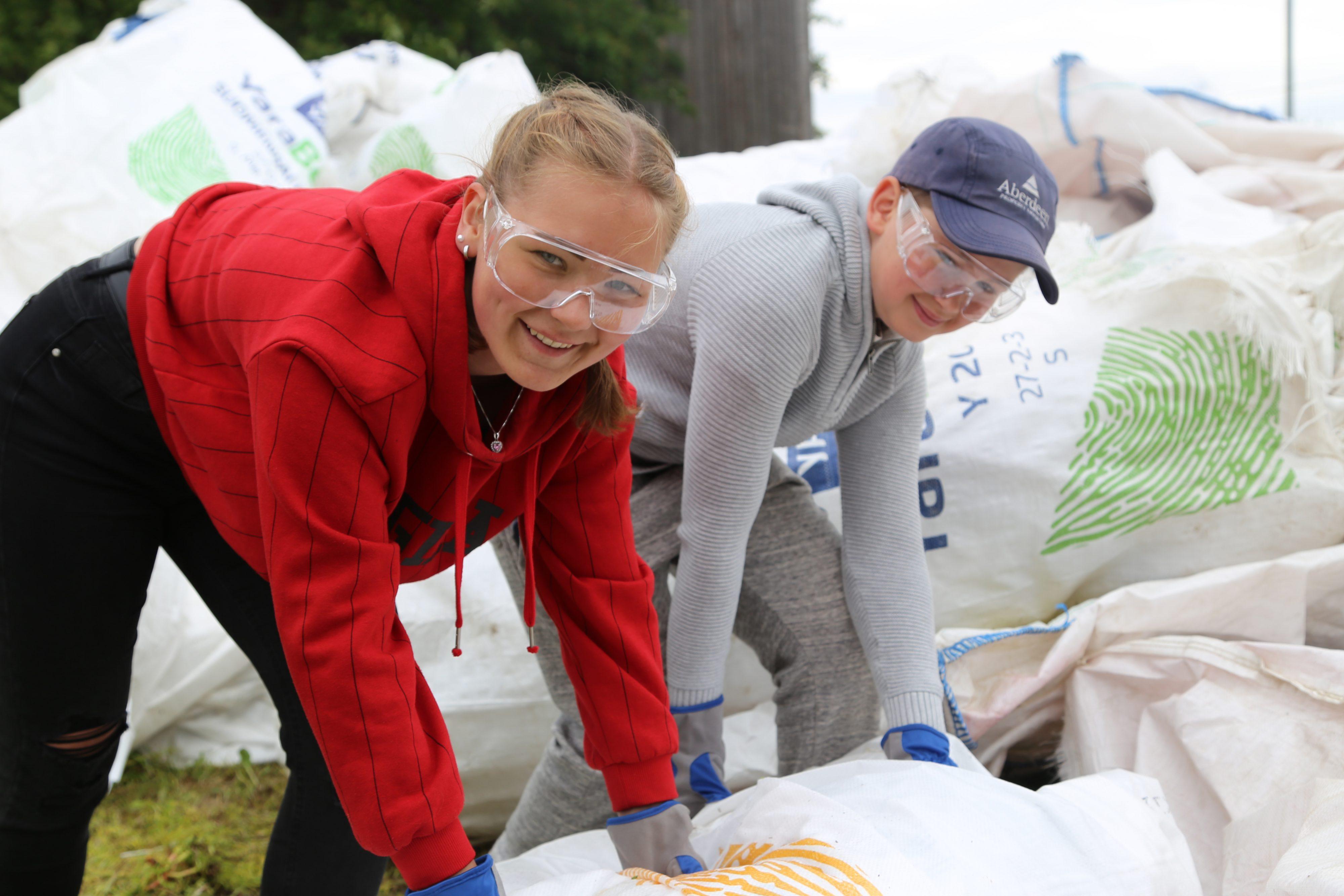 Jordbrukarna gör miljögärningar och unga sysselsätts lokalt featured image